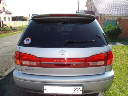 Toyota Vista Ardeo 2001 - отзыв владельца