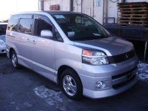 Toyota Voxy, 2003