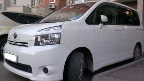 Toyota Voxy, 2007