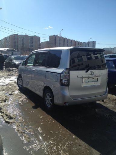 Toyota Voxy 2008 отзыв автора | Дата публикации 11.04.2013.