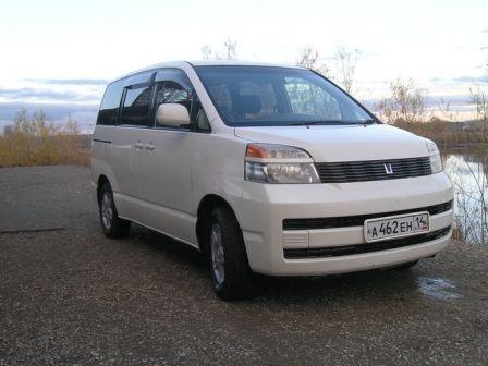 Toyota Voxy 2009 - отзыв владельца