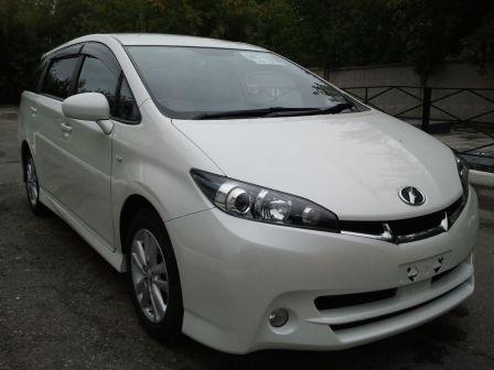 Toyota Wish 2009 - отзыв владельца
