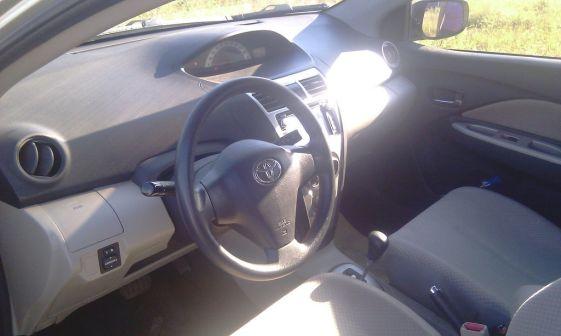 Toyota Yaris 2008 - отзыв владельца