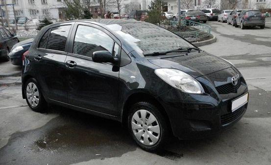 Toyota Yaris 2009 - отзыв владельца