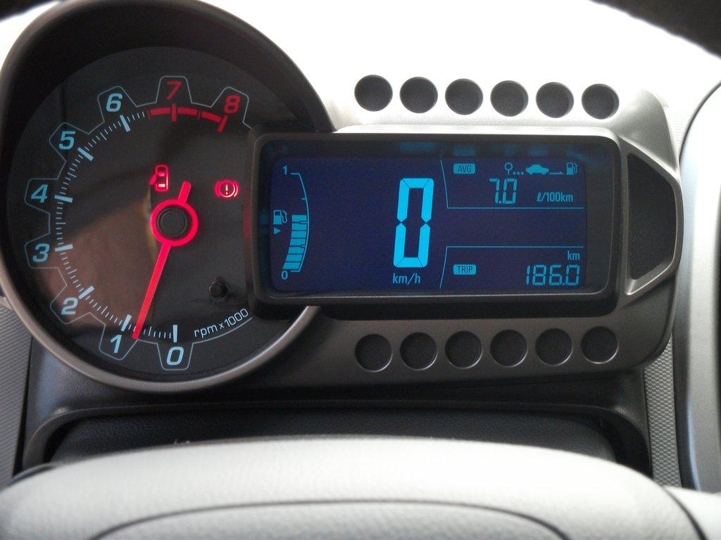 chevrolet aveo 2012 давление в шинах