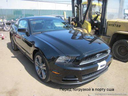 Ford Mustang 2013 - отзыв владельца