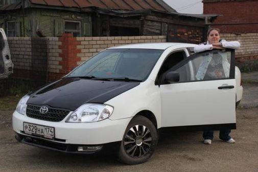 Toyota Corolla 2000 - отзыв владельца