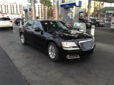 Chrysler 300C 2013 отзыв автора | Дата публикации 10.08.2013.