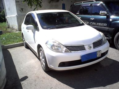 Nissan Tiida Latio, 2005
