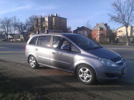 Opel Zafira 2008 - отзыв владельца