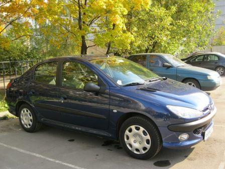 Peugeot 206 2009 - отзыв владельца