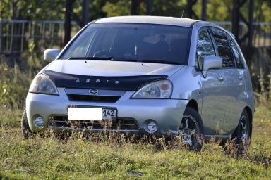 Suzuki Aerio, 2001
