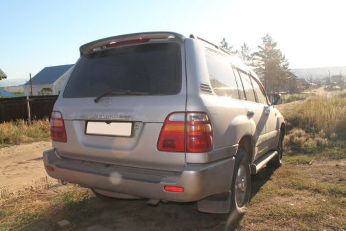 Toyota Land Cruiser 2000 - отзыв владельца