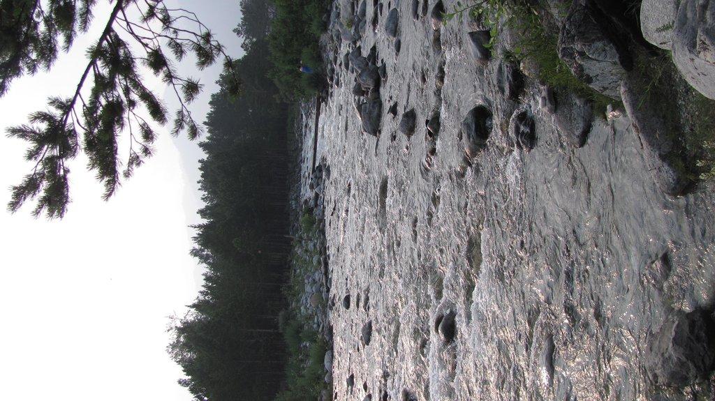 Река Тындарга течет прямо с Саян.Вода в ней ледянющая...
