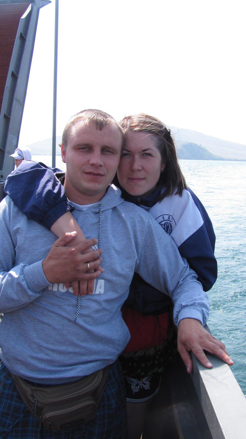 Побывав на Аршане мы решили рвануть на о.Ольхон...и вот мы уже на пароме в на правлении на остров Ольхон....