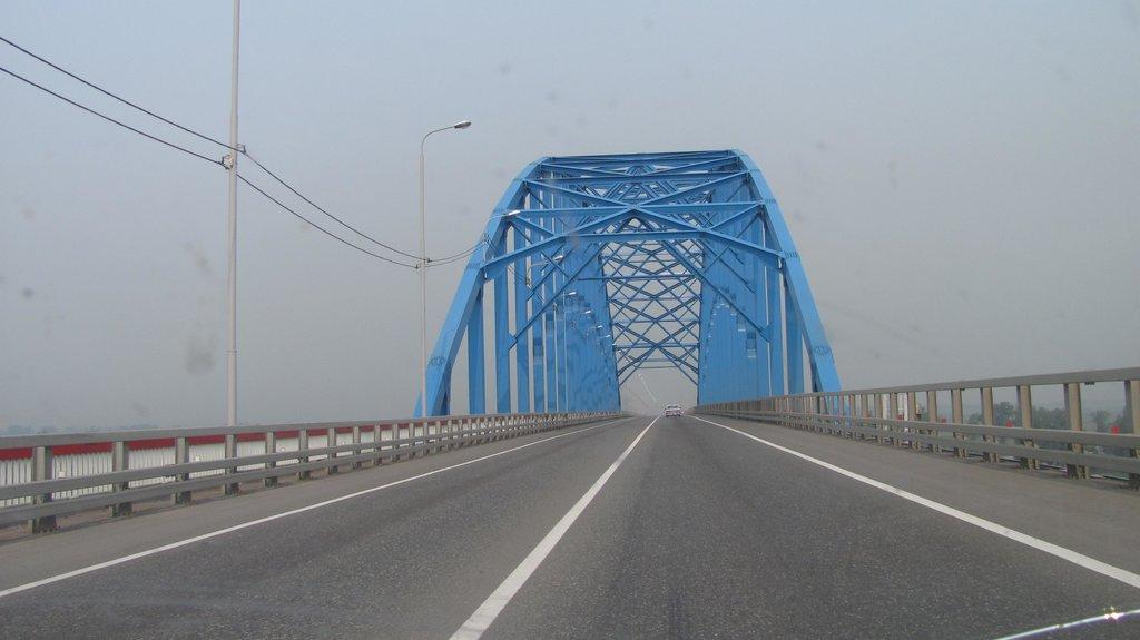 Мост через р.Енисей...и смок...это не туман...