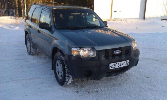 Ford Escape 2004 - отзыв владельца
