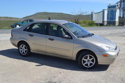 Ford Focus 2002 - отзыв владельца