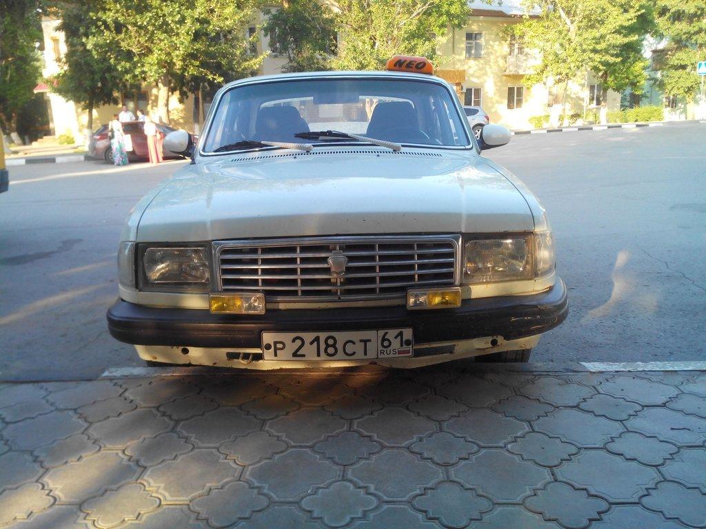 Во время работы в такси на смене)