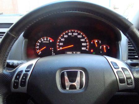Honda Accord 2003 - отзыв владельца