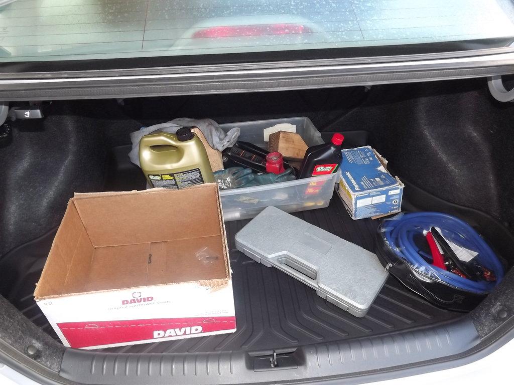 Да же на новом авто осталась привычка что то, а может для кого-то возить необходимое.