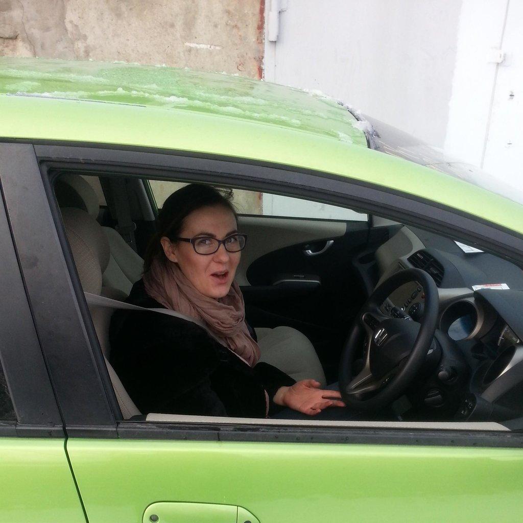 Супруга в восторге от своей будущей машины. Решил следующую куплю Фит РС Гибрид 1,5, а эту Анютке отдам