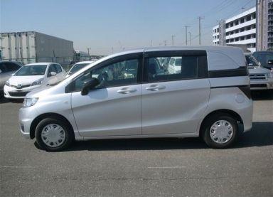 Honda Freed Spike 2011 отзыв автора | Дата публикации 13.05.2014.