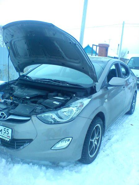 Hyundai Elantra 2012 - отзыв владельца