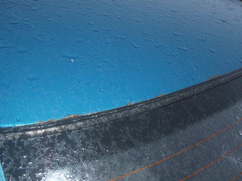 При покупке десятки обращайте внимание на металл под резинкой заднего стекла. он там ржавеет быстро. У меня это место было зачищено и перекрашено после ДТП.