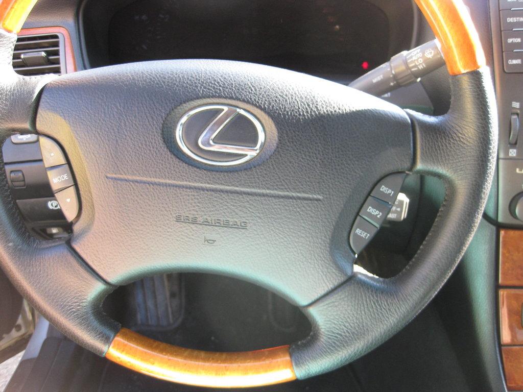 новая кожа на руле, как тут и была