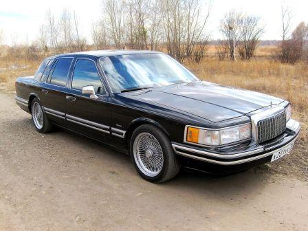 Lincoln Town Car 1993 - отзыв владельца