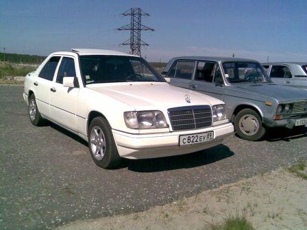 Mercedes-Benz E-Class 1989 - отзыв владельца