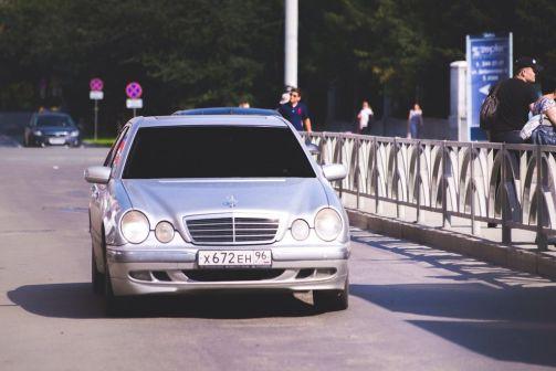 Mercedes-Benz E-Class 2002 - отзыв владельца