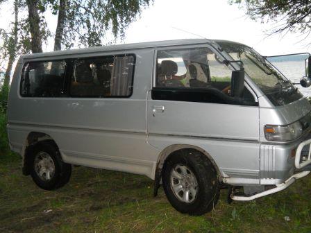 Mitsubishi Delica 1993 - отзыв владельца