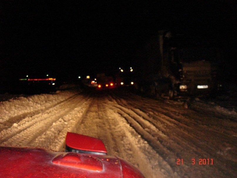 Федеральная трасса, три дня шел снег