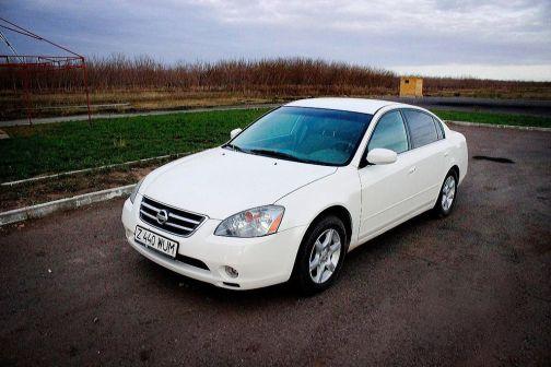 Nissan Altima 2004 - отзыв владельца