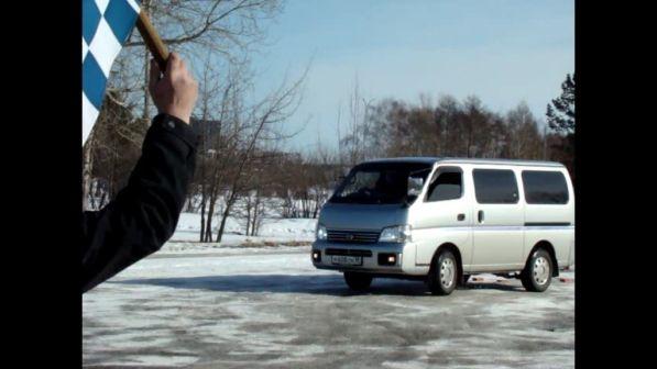 Nissan Caravan 2001 - отзыв владельца