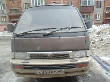 Nissan Caravan 1991 - отзыв владельца