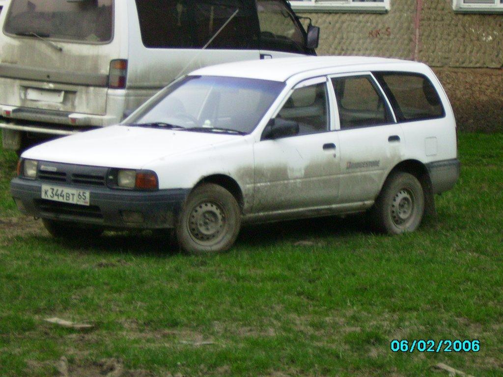 Ниссан Ад, моя третья машина, фото первой - дайхатсу шарада и второй - королла не сохранились.