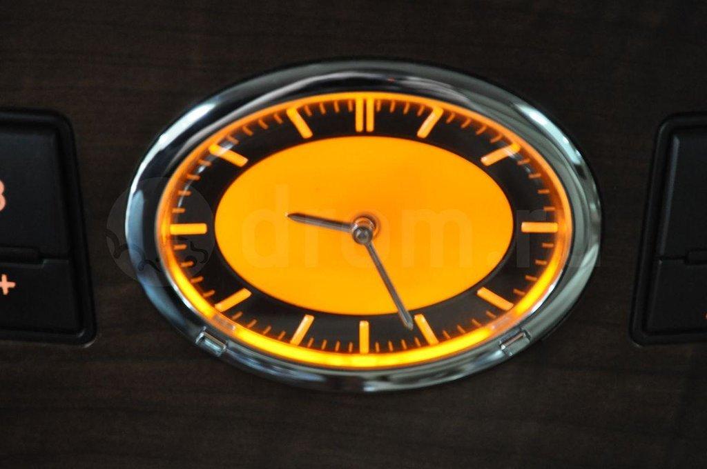 Фишка Ниссана/Инфинити. Оригинальные часы. :)