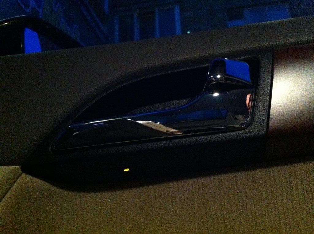 Лампочка подсветки кнопок на водит. двери под ручкой. По аналогии с подсветкой зоны АКПП.