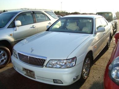 Nissan Laurel, 2002