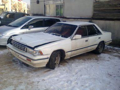 Nissan Laurel, 1987