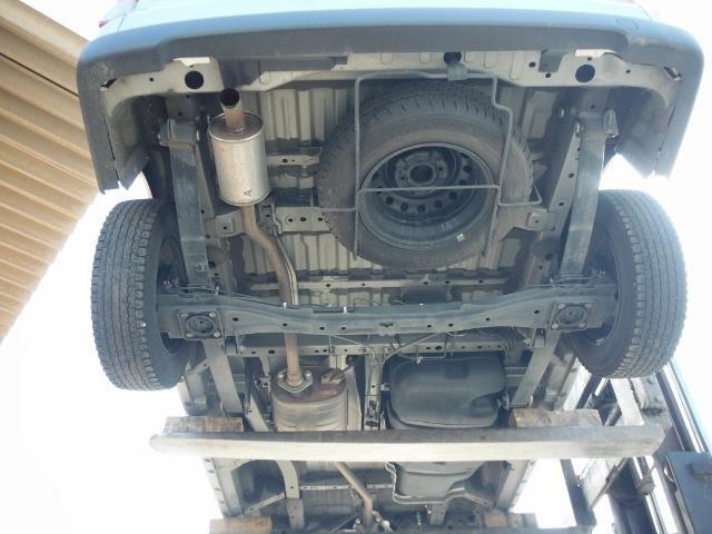 Вид снизу. фото другой машины.
