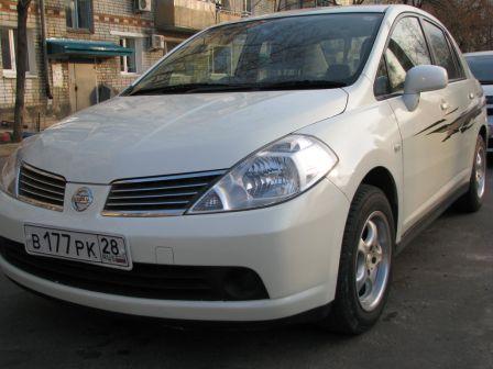 Nissan Tiida Latio 2004 - отзыв владельца