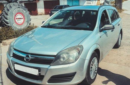 Opel Astra 2006 - отзыв владельца