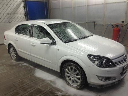 Opel Astra Family 2013 - отзыв владельца