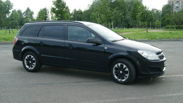 Opel Astra Family 2008 - отзыв владельца