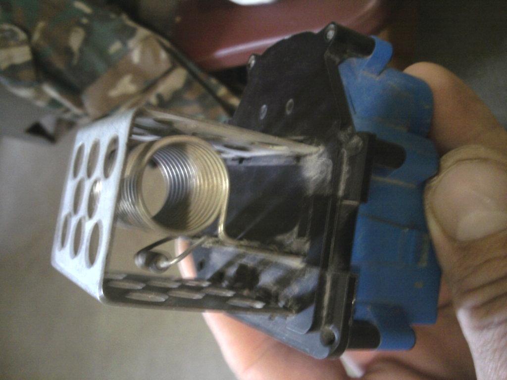 Блок с термопредохранителем..