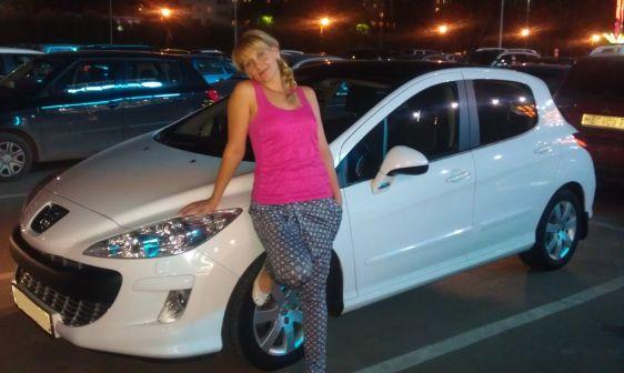 Peugeot 308 2010 - отзыв владельца